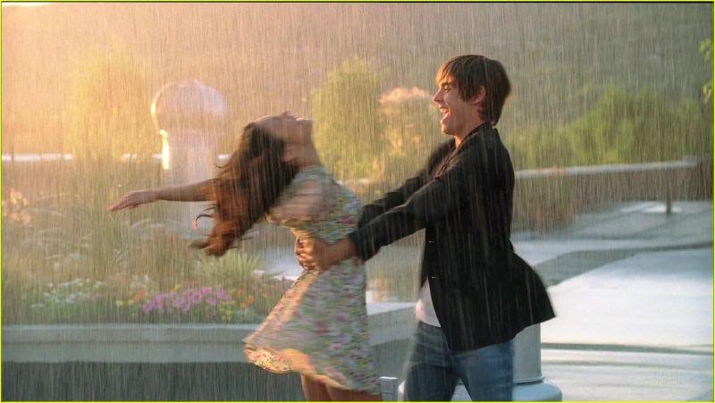 Танец под дождем» (Иванцова
