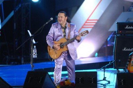 """В Ярославле в рамках концертного тура """"Любимые песни..."""" выступит Игорь Саруханов."""