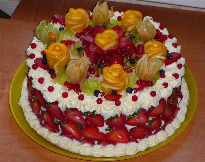 Украшение на торт из фруктов