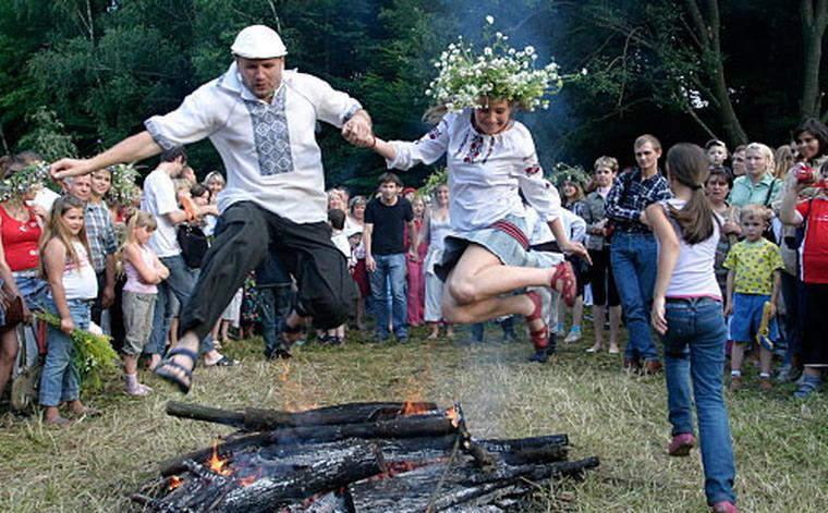 Иван Купала - один из главных праздников календаря славян, совпадающий с Ро